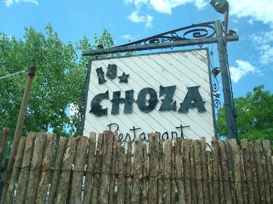 La Choza sign
