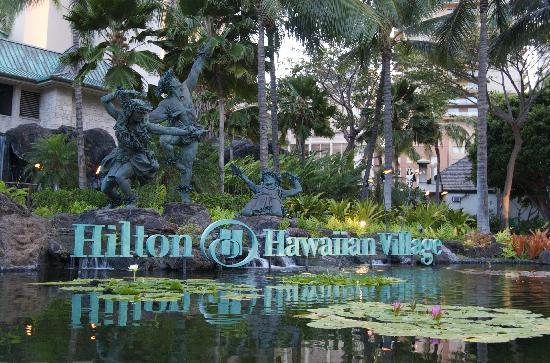 Hilton Hawaiian Village Waikiki Beach Resort : front