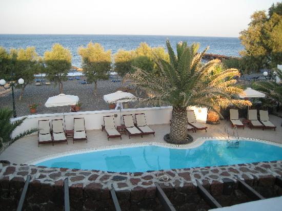 Arion Bay Hotel: View from Bedroom