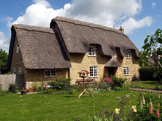 Thatched cottage in Great Wolford