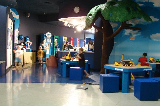 Palm Beach Gardens, Flórida: Pics of the interior play area