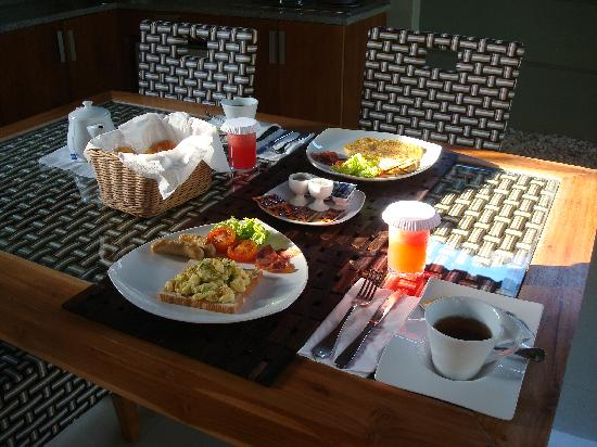 Grand Akhyati Villas and Spa: Breakfast cooked in villa