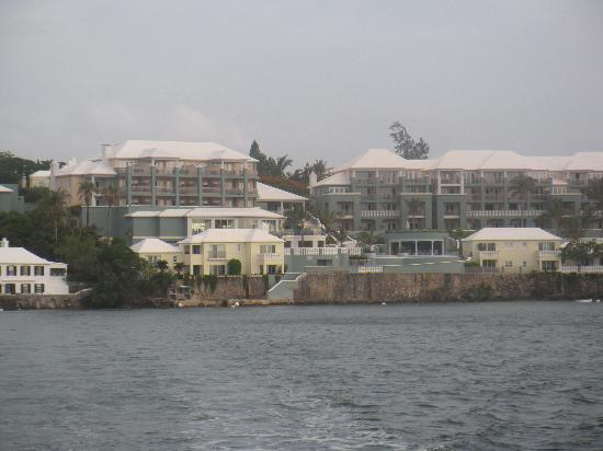 Newstead Belmont Hills Hotel: view from ferry