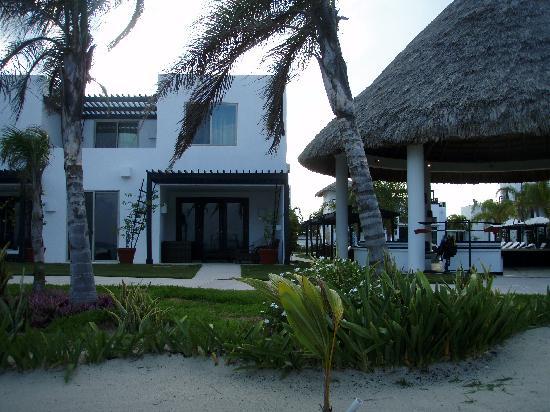 Las Terrazas Resort: Las Terrazas from the beach