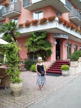 Nago, Italien: Hotel entrance
