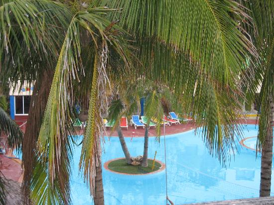 Hotel Club Tropical: piscina