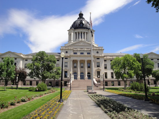 Pierre, Dakota del Sur: Exterior of SD Capitol
