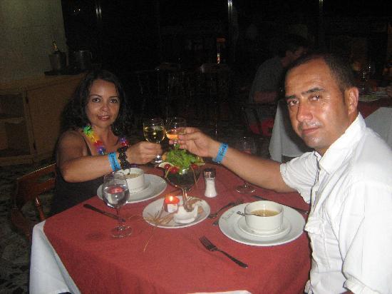 Hotel Blue Tone : cena romantica cortesia del hotel