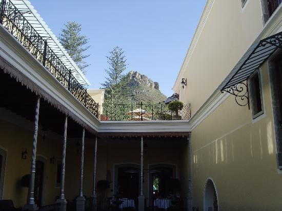 Villa Maria Cristina Relais & Chateaux: Beautiful hotel grounds