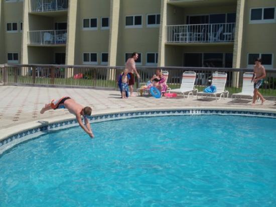 The Beach House Condominiums: Nice pool....
