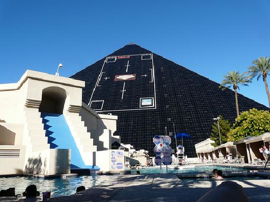 View of the atrium from the hotel walkway picture of - Luxor hotel las vegas swimming pool ...