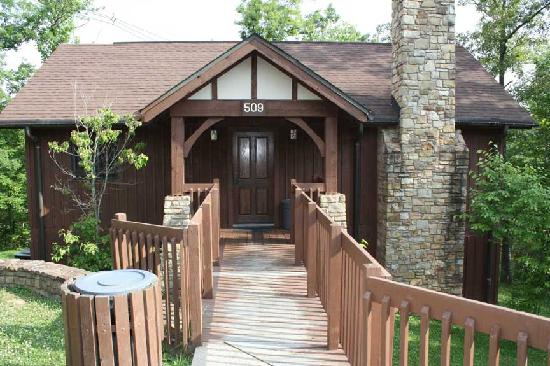 Cumberland Falls State Resort - Dupont Lodge: Two-story, two bedroom - front of cabin