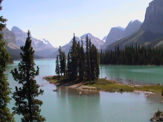 Banff Park Lodge Resort and Conference Centre: Beautiful Lake Moraine