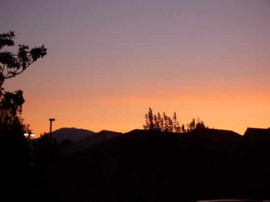 Motel 6 Redding South: nice sunset from the parking lot