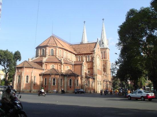 مدينة هو تشي منه, فيتنام: サイゴン教会。心の中心ですね。
