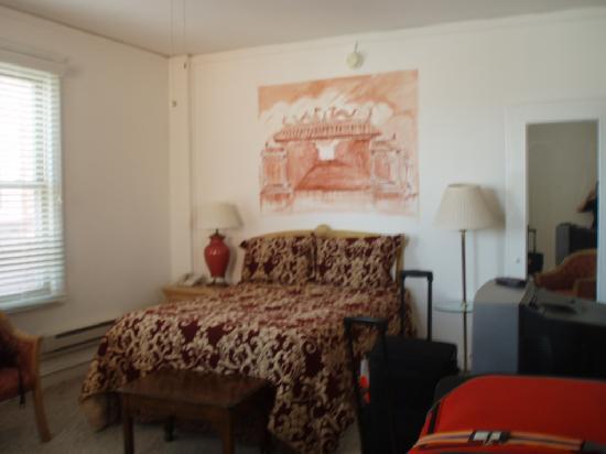 Hotel Mayflower: Great family room