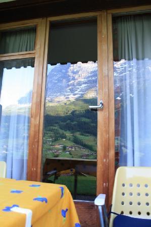 Hotel Cabana: Eiger refelction on patio doors