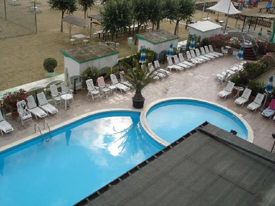 Viserbella, Italien: la piscina