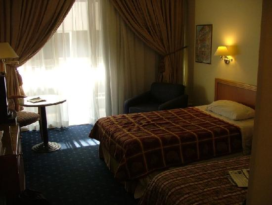 Cavalier Hotel: Room