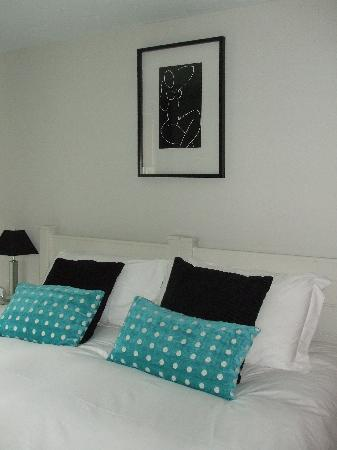 One of 2 bedrooms at Pawton Stream