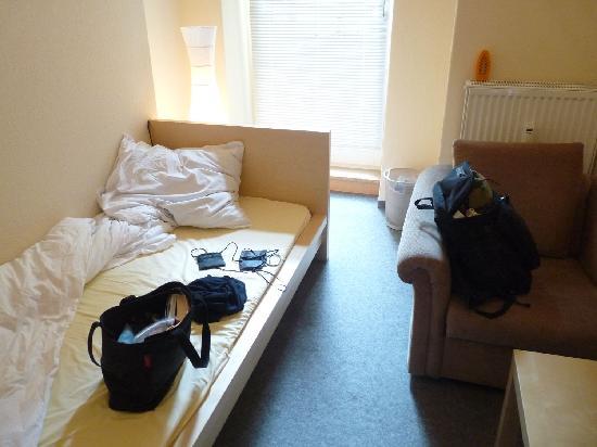 Hotel Comenius: Room 15, single room/shared bath