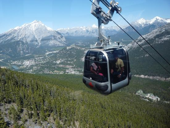 Treetops Banff Bed and Breakfast: Banff Gondola