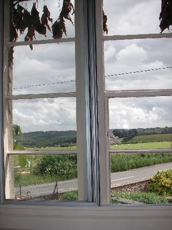 Toghill House Farm: Toghill House twin room view