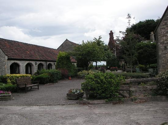 Toghill House Farm: Toghill courtyard