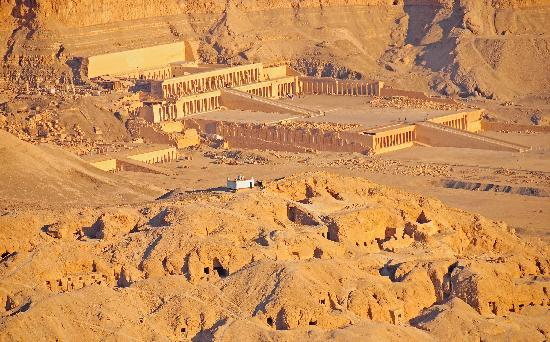 Luxor from hot air balloon