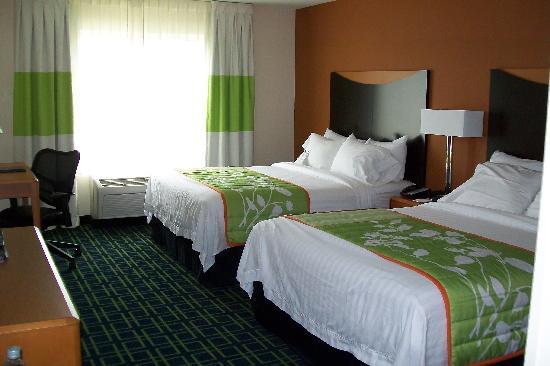 Fairfield Inn & Suites New Buffalo: room