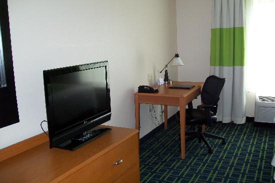Fairfield Inn & Suites New Buffalo : room