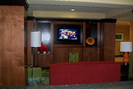 Fairfield Inn & Suites New Buffalo: breakfast lounge