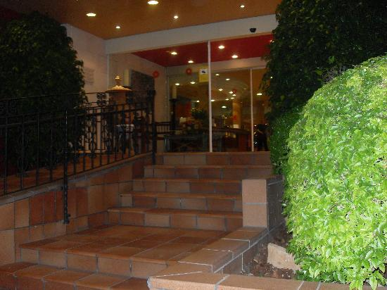 Myseahouse Neptuno: entrée principale de l'hotel