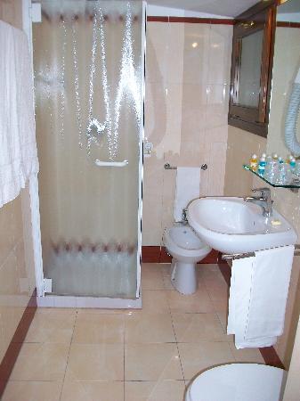 Hotel Adriatico: salle de bain