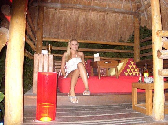 Thai Lounge: me in thai