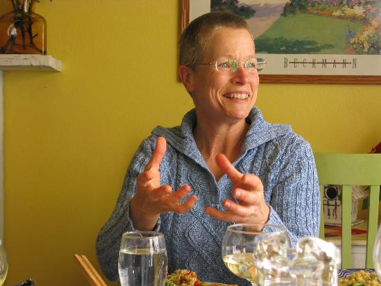 Northwest Language Cultural Center Guesthouse: Our innkeeper, Lynn Parr