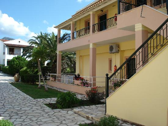Acharavi Beach Hotel: the entry in the apartaments