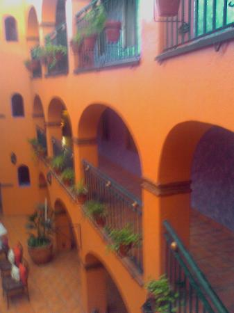 La Abadia Tradicional: inside courtyard