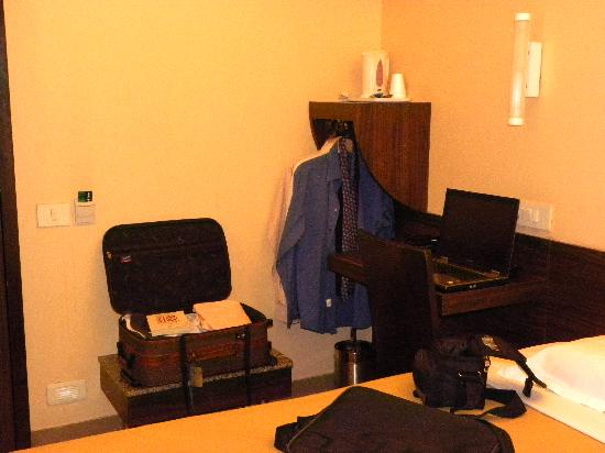 Smart Inn Pune: The Wardrobe Corner with coffee maker