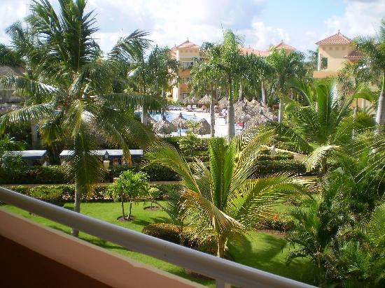 Grand Bahia Principe Punta Cana: Vista de la ventana de la Habitacion