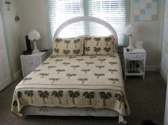 Nassau House: Ruby's room