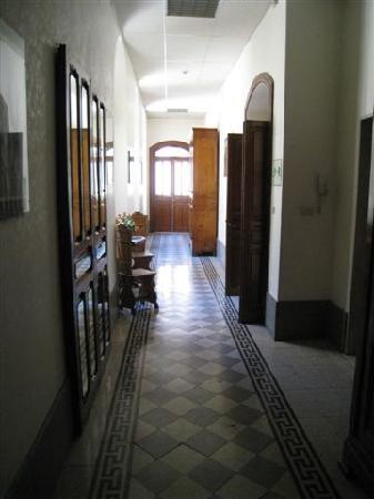 Nostra Signora di Lourdes: Hallway