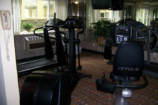 Red Lion Hotel Tacoma: Fitness Room