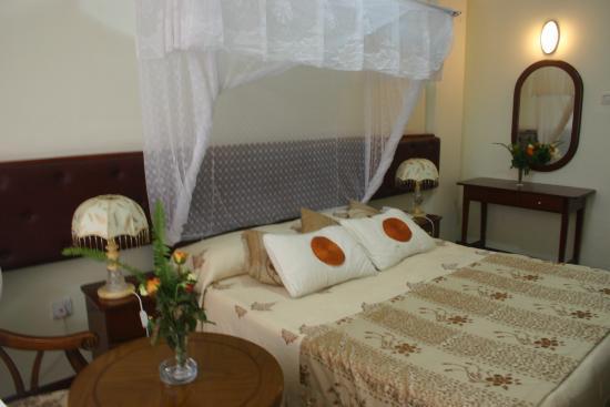 Aquiline Hotel