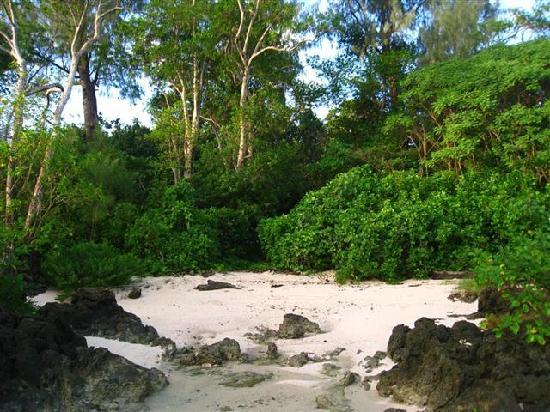 Bethel Village: Quiet sands