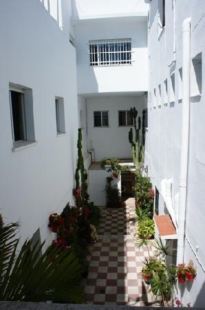 Pension Facundo: Hotel Facundo courtyard