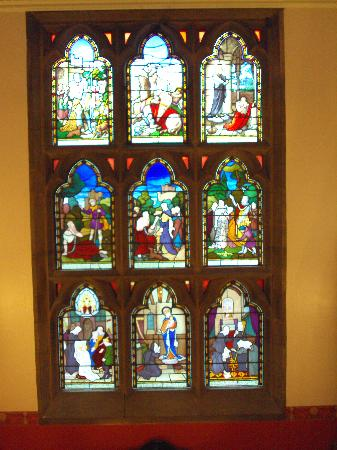 Wroxall Abbey Hotel & Estate: stained glass window