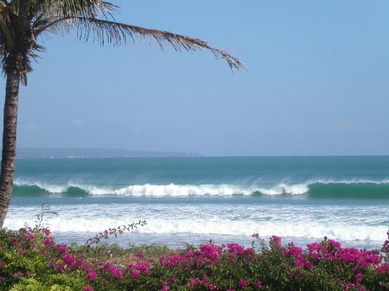 Bali Mandira Beach Resort & Spa: Diesen Ausblick hat man schon beim Frühstück...