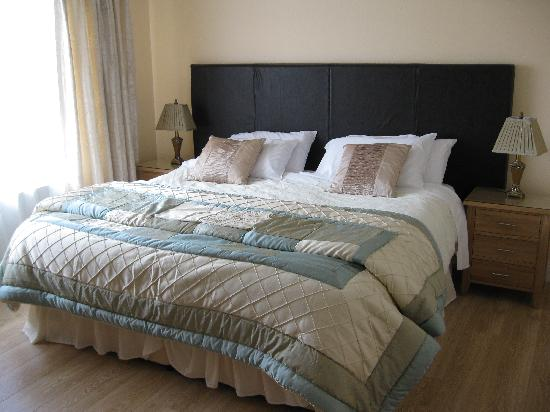 Edencrest Bed and Breakfast: Our bedroom