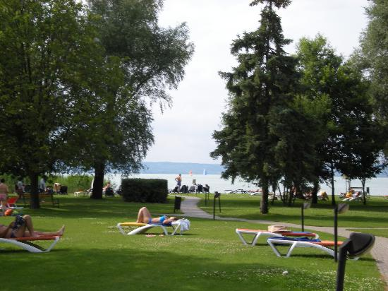 Hotel Azur: Hoteleigener Strand am Balaton